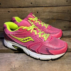 Saucony Oasis Pink Running Shoes